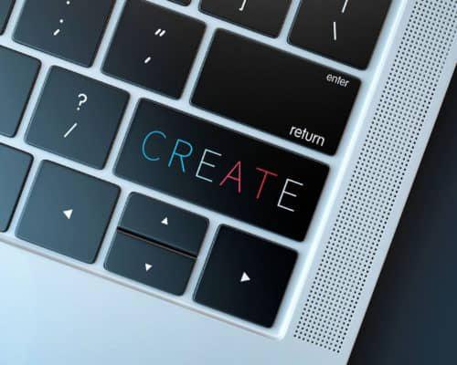 laptop met toetsen en tekst create